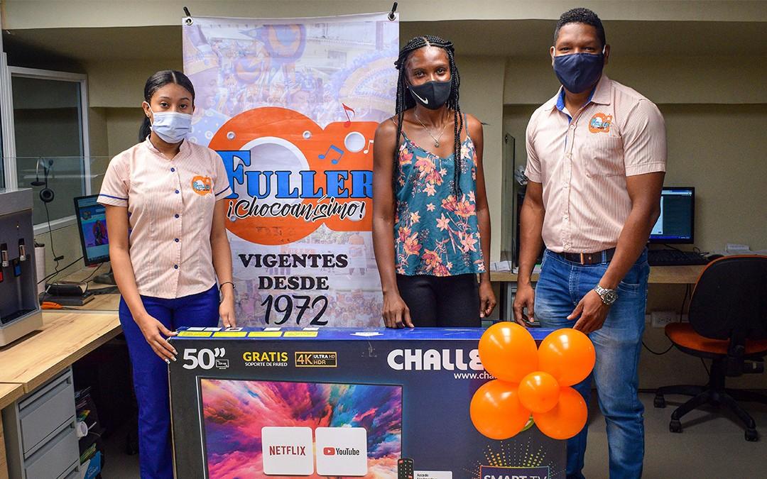 Ganadora del Smart TV de 50″ en Almacenes Fuller